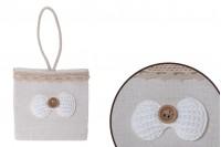 Чантичка за бонбониери, с размери   75x45x74 mm